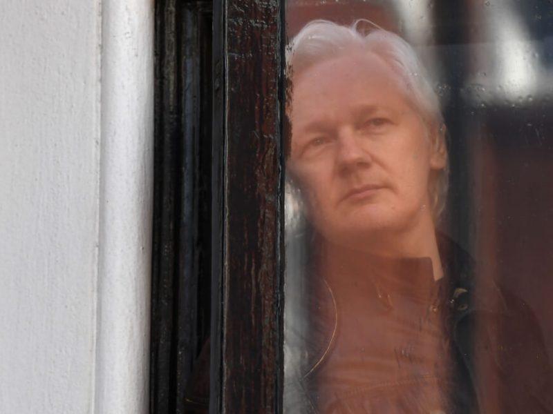 ماذا ينتظر جوليان أسانج بعد اعتقاله في لندن؟
