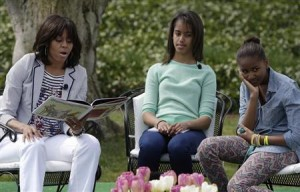 US First Lady Michelle Obama with daughters.