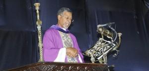 bishopjohnholderpulpit