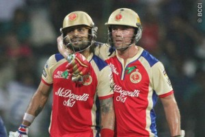 Virat Kohli (left) and AB de Villiers blasted RCB to victory.
