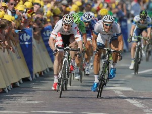 Germany's Marcel Kittel (right) crossing the finish line ahead of compatriot Andre Greipel (left) in second place.