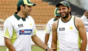 Misbah ul Haq (left) and Shahid Afridi (right).