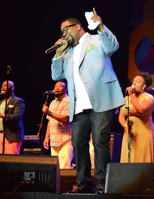 Hezekiah Walker in action