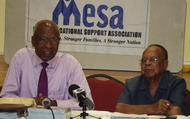 Retired veteran banker Tony Marshall (left) with MESA president Ralph Boyce.