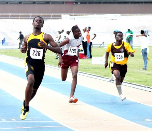 Shashamani Kellman of Christ Church Foundation won his heat to advance to the semi-final round of the under-17 boys 100.