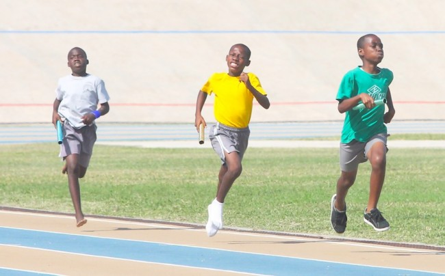 Redonte Graham ran a brilliant final leg to anchor Green House to victory in the 4x100m relay.