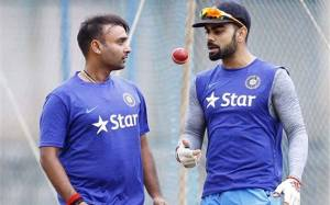 Amit Mishra and Virat Kohli (r) in the nets ahead of Thursday's Test.