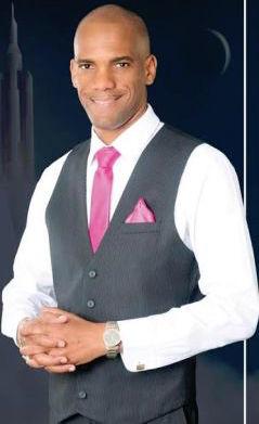Senior pastor Rev Andre Symmonds