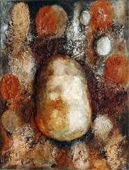 Schild Frucht, 2010, 100x76cm, Erde Steine Laub Draht Papier Pigment auf Leinwand