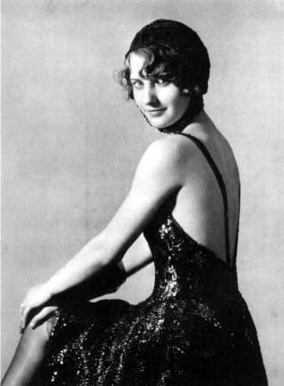 Barbara Stanwyck Biography: As Bonnie in Burlesque.