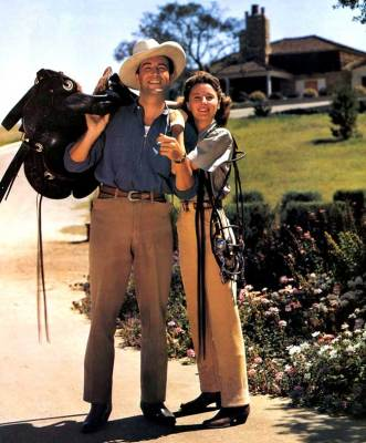Barbara Stanwyck Biography: with husband Robert Taylor enjoying ranch Life in Northridge