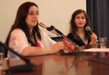 La giornalista Chiara Codecà e Barbara Baraldi durante l'incontro