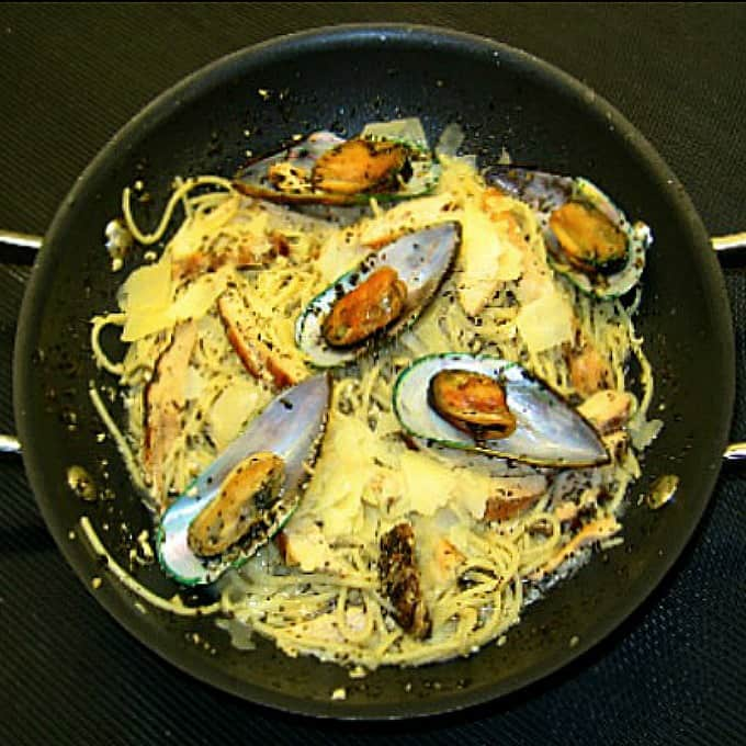 Grilled Chicken and Mussels in Garlic Cream