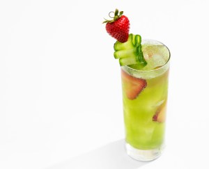 cucumber strawberry tonic cocktail recipe