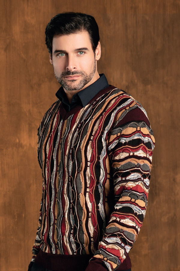 Barcelino man in colorful knit sweater
