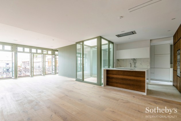 Stunning penthouse with large terrace and pool Eixample, Barcelona