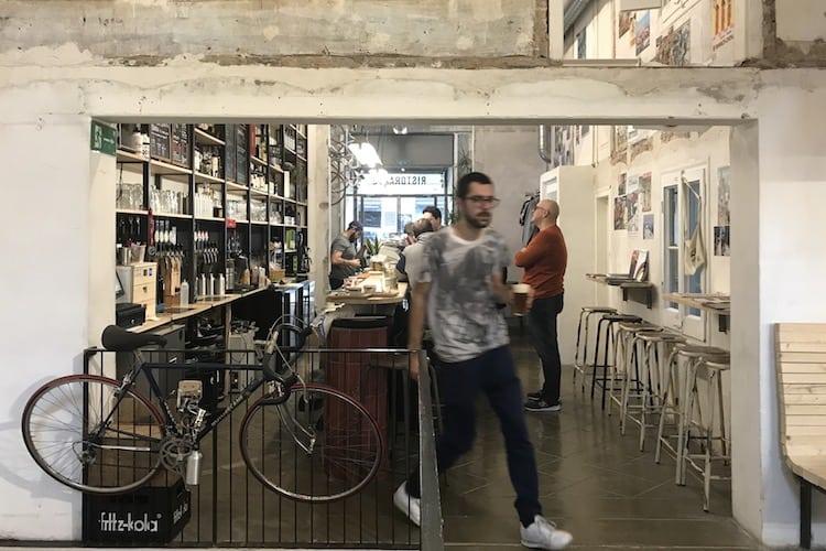 Interieur bar van Eroica Café in Barcelona