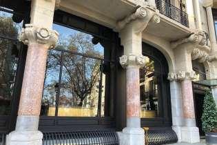 Raam van Casa Fuster in Barcelona