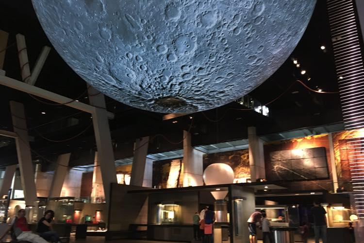 Maan in CosmoCaixa