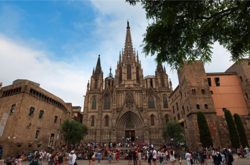 De kathedraal van buitenaf