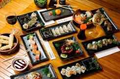 Tafel vol met oosterse hapjes Kibuka