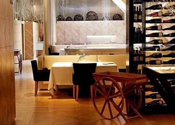tafels, stoelen, ruimte, bruin