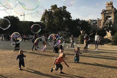 Kinderen in het Parc de la Ciutadella in Barcelona