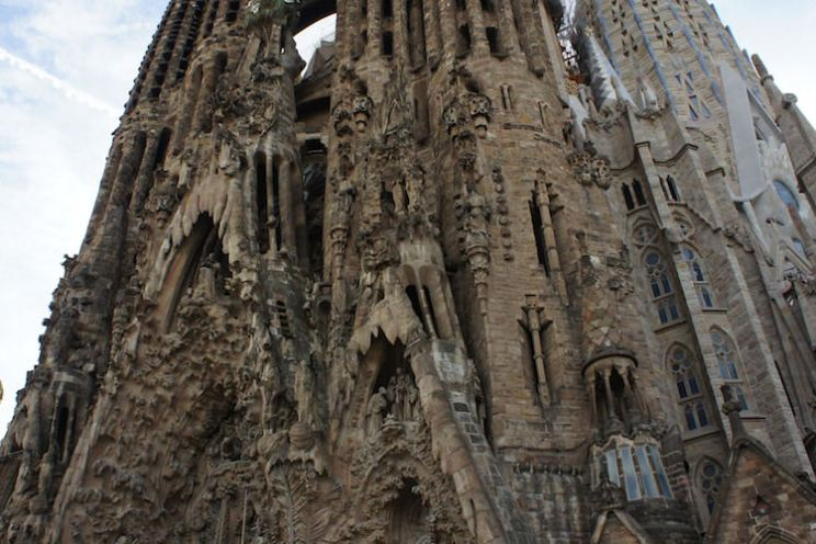 close-up geboortefaçade sagrada familia barcelona