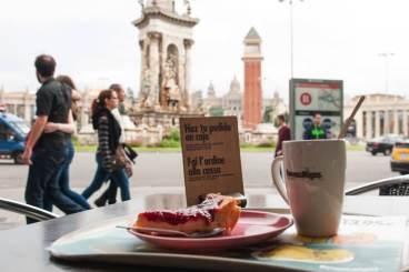 gebak bij Plaça d'Espanya