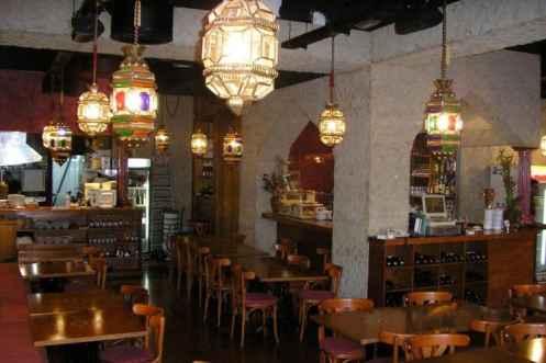 Interieur binnen restaurant Ugarit