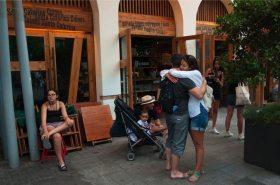 eten bij Santa Catarina markt