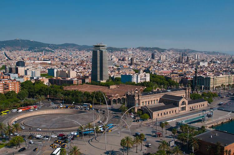 Mooi uitzicht over Barcelona vanaf de kabelbaan