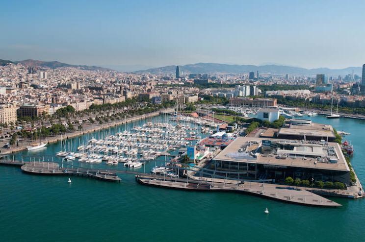 Maak een rit met kabelbaan haven Barcelona