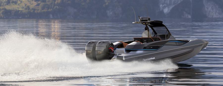 Grey-Hawk-38-on-lake-aft-end