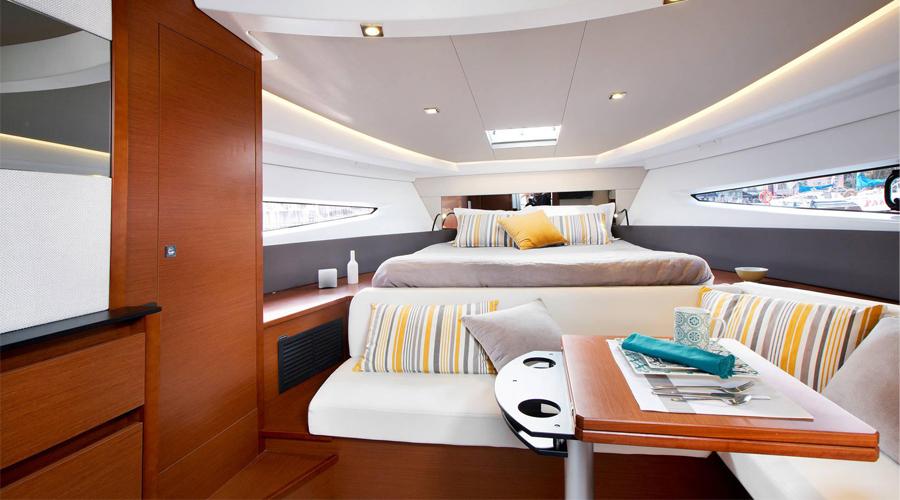 Versione Cockpit Lounge Leader 36 di Jeanneau