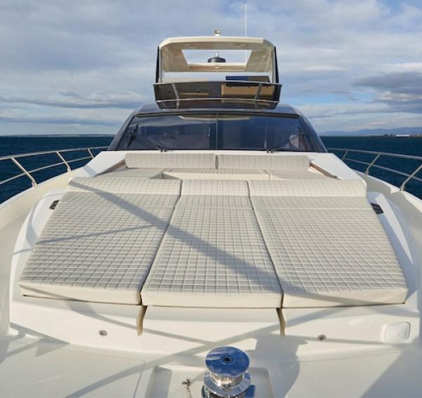 Astondoa 66 Flybridge bow sunbed