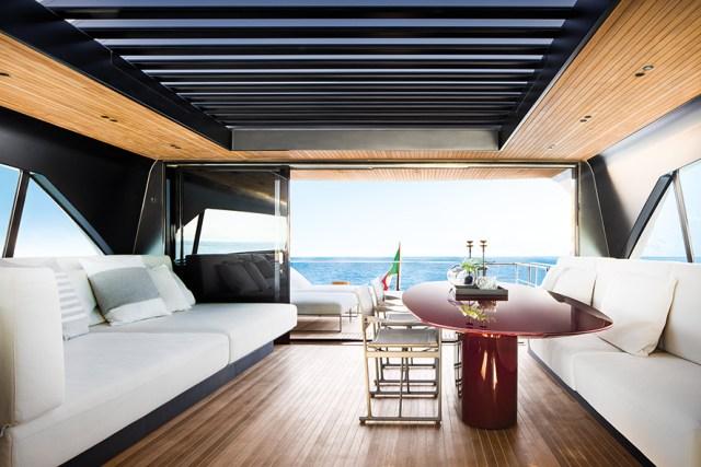 Sanlorenzo SX  upper deck salon