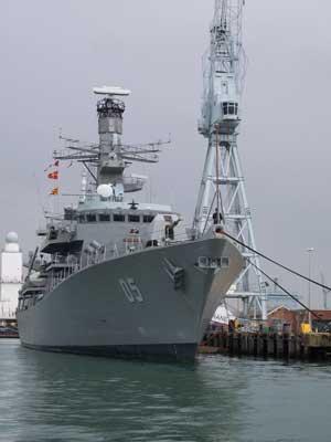 Crucero Almirante Cochrane de lar armada de Chile