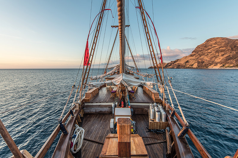 Traditional Schooner Indonesia Komodo 2