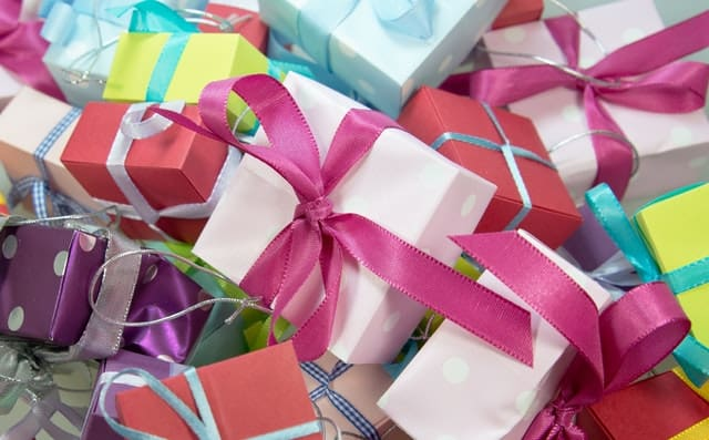 8 Ways to Stock your Gift Closet on a Budget
