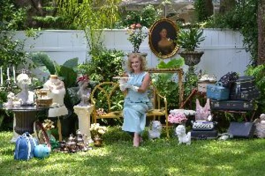 Julie Vintage Background_small