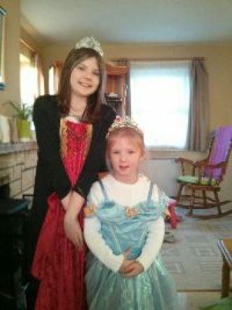 Lola and Vivien Halloween_small