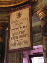 entering Gringotts_small