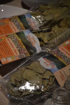 3 bags of bay leaves_small
