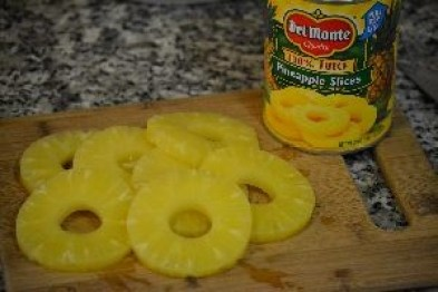 canned pineapple rings_small