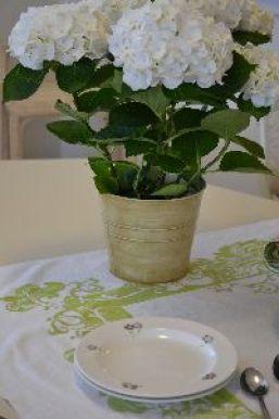 white hydrangeas_small