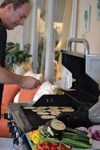 Gordon grillin some veggies for sandwiches_small