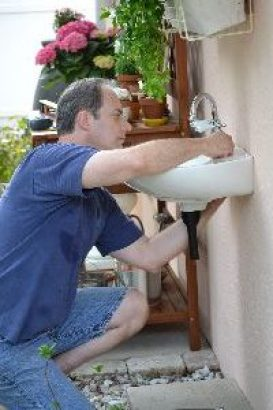 attaching the faucet_small