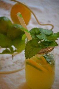 limoncello lemonade with herbs_small