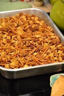 Chex mix from oven_small